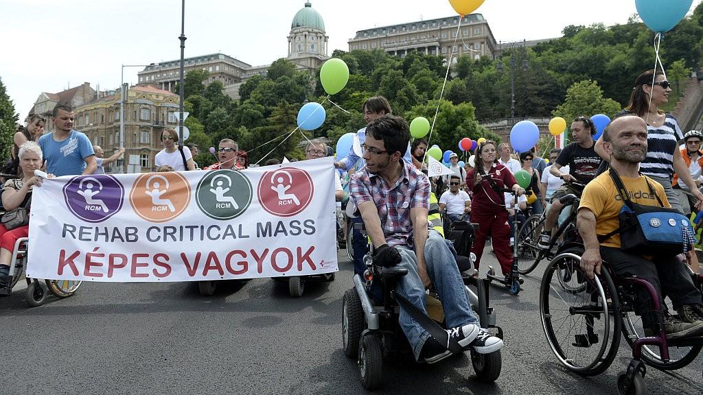 Rehab Critical Mass - Fogyatékkal élők felvonulása Budapeste