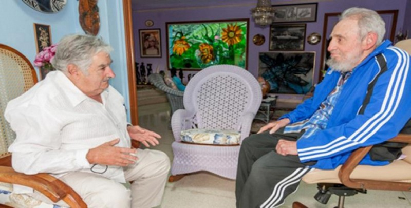 """Handout picture released on January 30, 2016 by the www.cubadebate.cu website showing former Uruguayan President (2010-15) Jose Mujica (L) meeting with Cuban leader Fidel Castro in Havana. AFP PHOTO/CUBADEBATE.CU/HO    RESTRICTED TO EDITORIAL USE - MANDATORY CREDIT """" AFP PHOTO/CUBADEBATE.CU/HO"""" - NO MARKETING NO ADVERTISING CAMPAIGNS - DISTRIBUTED AS A SERVICE TO CLIENTS   MAXIMUM QUALITY AVAILABLE / AFP PHOTO / cubadebate.cu / HO"""
