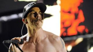 Bécs, 2011. december 8. Anthony KIEDIS, az amerikai  Red Hot Chili Peppers énekese a színpadon az együttes bécsi koncertjén 2011. december 7-én. (MTI/EPA/Herbert P. Oczeret)