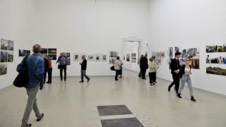 Budapest, 2016. április 22. A Nemzeti Szalon 2016 - Képek és pixelek címû kiállítás megnyitója a Mûcsarnokban, Budapesten 2016. április 22-én. MTI Fotó: Kovács Attila