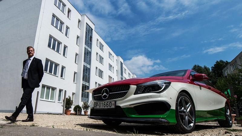 Kecskemét, 2016. május 10.Christian Wolff, a Mercedes-Benz Manufacturing Hungary Kft. ügyvezetésének elnöke negyven felújított bérlakás átadási ünnepségén Kecskeméten 2016. május 10-én. A Mercedes-Benz Gyár Magyarországon bérlakásprogramot indított Kecskemét városával és a KIK-FOR Kft.-vel együttműködésében.MTI Fotó: Ujvári Sándor