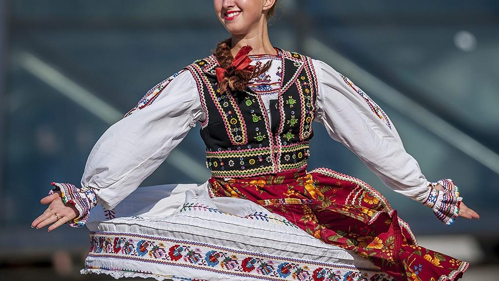Debrecen, 2013. augusztus 20.Az ukrán Kárpátaljai Filharmónia Népi Együttes táncosa a 44. Debreceni Virágkarneválon 2013. augusztus 20-án.MTI Fotó: Czeglédi Zsolt