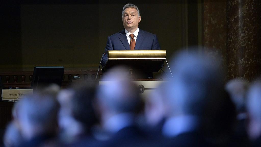 Budapest, 2016. május 2.Orbán Viktor miniszterelnök beszédet mond a Magyar Tudományos Akadémia (MTA) 187. rendes közgyűlésén az MTA dísztermében 2016. május 2-án.MTI Fotó: Koszticsák Szilárd