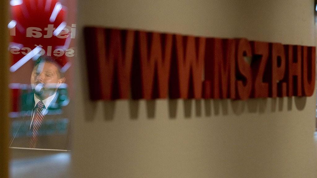 Budapest, 2008. szeptember 30.Török Zsolt, a Magyar Szocialista Párt parlamenti frakciója ifjúsági szakcsoportjának vezetője sajtótájékoztatót tart az adatgyűjtési ügy kapcsán a Képviselői Irodaházban.MTI Fotó: Szigetváry Zsolt