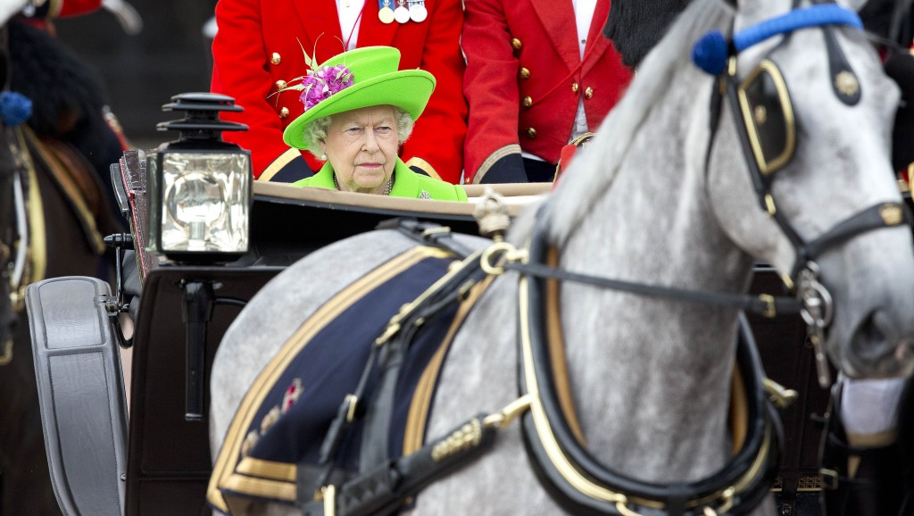 Londen, 10-06-2016 Queen Elisabeth Trooping The Colour 2016, Parade For The Queen·s 90 th Birthday Celebrations at Buckingham Palace RPE/Albert Nieboer/Netherlands OUT