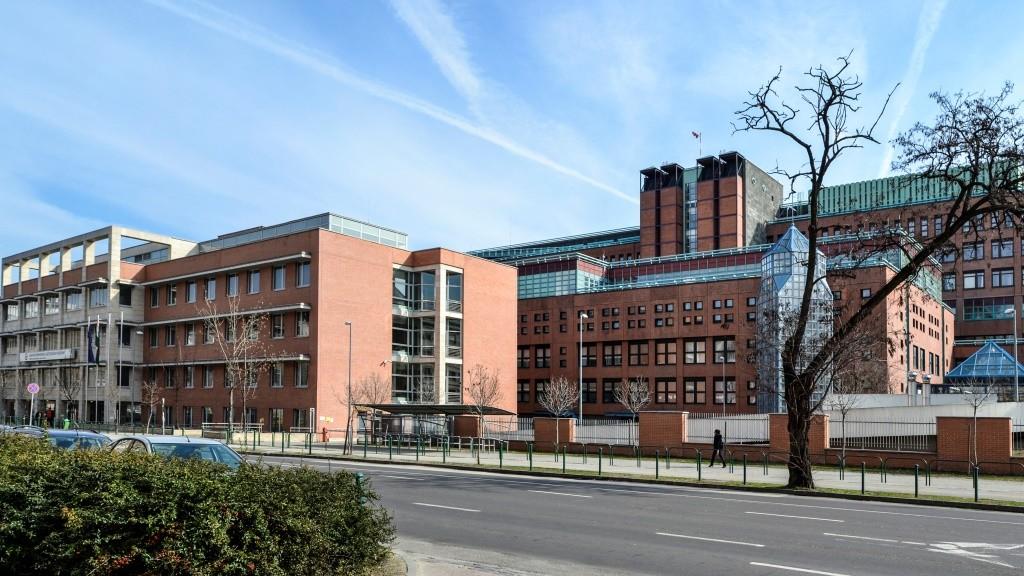 Egészségügyi létesítmény - Budapest - MH Egészségügyi K