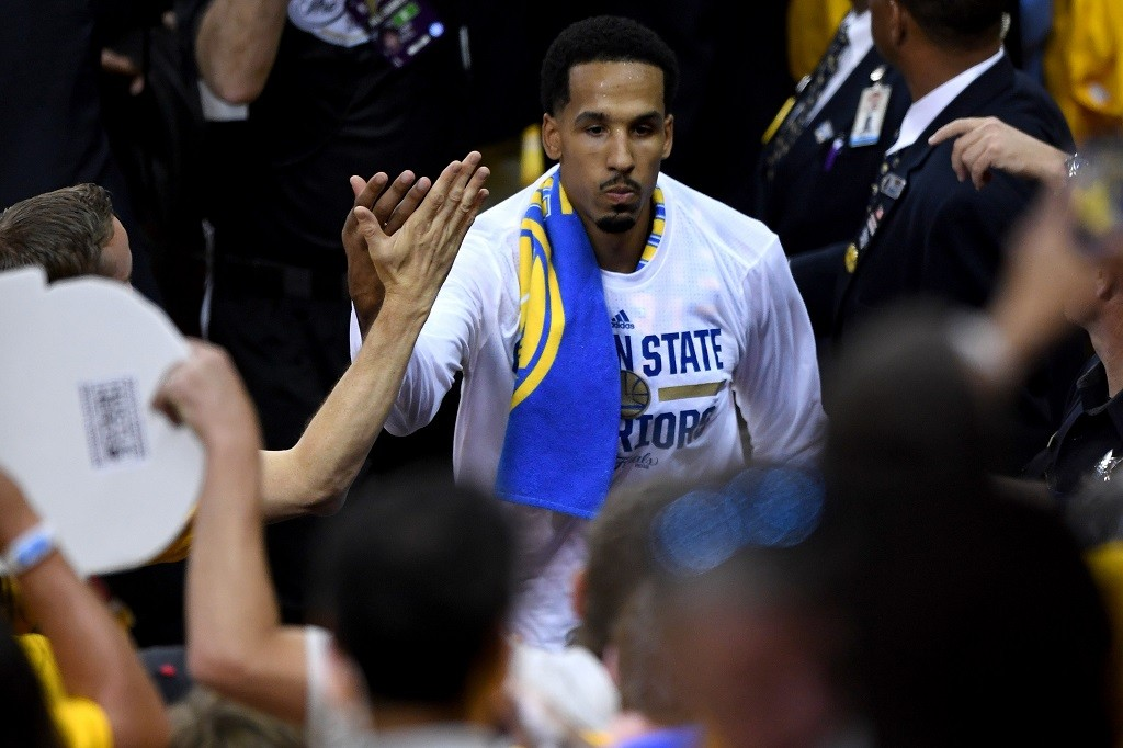 OAKLAND, CA - JUNE 02:  Shaun Livingston #34 of the Golden State Warriors runs through the tunnel after the Warriors 104-89 win against the Cleveland Cavaliers in Game 1 of the 2016 NBA Finals at ORACLE Arena on June 2, 2016 in Oakland, California. NOTE TO USER: User expressly acknowledges and agrees that, by downloading and or using this photograph, User is consenting to the terms and conditions of the Getty Images License Agreement.  (Photo by Thearon W. Henderson/Getty Images)