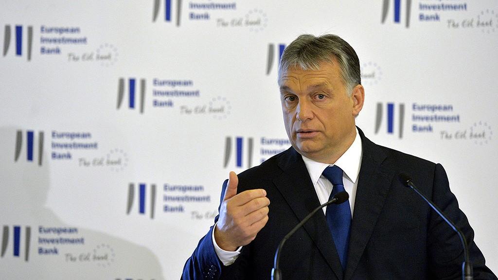 Budapest, 2016. június 13.Orbán Viktor miniszterelnök beszédet mond az Európai Beruházási Bank (EIB) budapesti irodájának hivatalos megnyitóünnepségén a Magyar Tudományos Akadémia épületében 2016. június 13-án.MTI Fotó: Koszticsák Szilárd