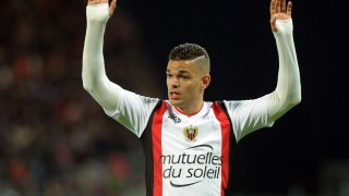 Nice's French forward Hatem Ben Arfa gestures during the French Ligue 1 football match Guingamp against Nice on May 14, 2016 at the Roudourou stadium in Guingamp, western France. AFP PHOTO / FRED TANNEAU / AFP PHOTO / FRED TANNEAU
