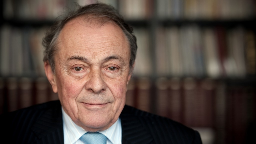 (FILES) This file photo taken on January 7, 2010 shows French former Socialist Prime Minister Michel Rocard posing during an interview in Paris. Former Socialist Prime Minister Michel Rocard died at the age of 85 in a Paris hospital on July 2, 2016, his son announced. / AFP PHOTO / MARTIN BUREAU