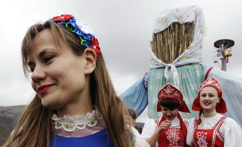 2806027 03/13/2016 Maslenitsa festival in the village of Perevalnoye in Kizil-Koba valley near Simferopol. Maks Vetrov/Sputnik