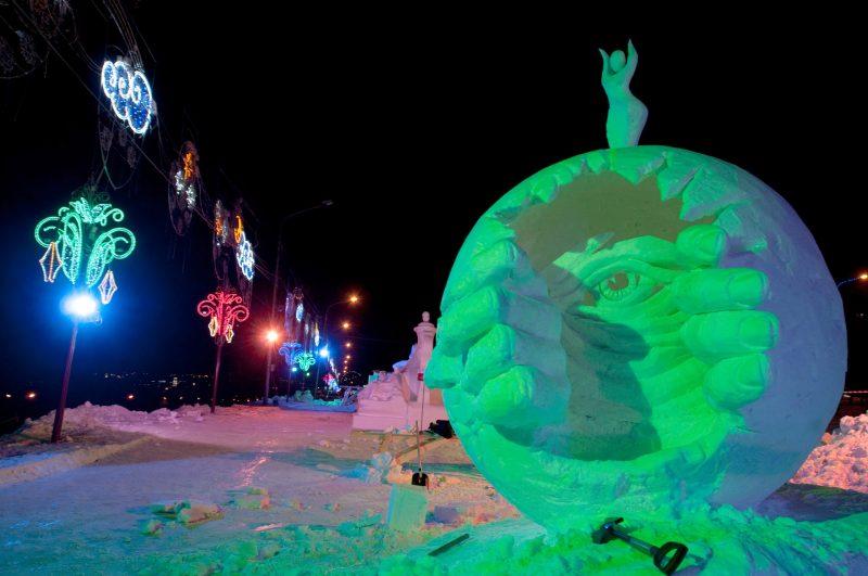 "1342596 Russia, Krasnoyarsk. 01/17/2013 Sculptures in the first international festival-competition of ice sculpture ""Magic Ice of Siberia"" in Krasnoyarsk. Aleksandr Paniotov/RIA Novosti"