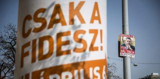 Budapest, 2014. március 31. Az ellenzéki összefogás Pál Tibor jelöltet ábrázoló és a Fidesz országgyûlési választási plakátja Budapesten, a Haller utcában 2014. április 1-jén. MTI Fotó: Mohai Balázs