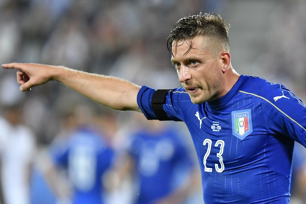 Italy's midfielder Emanuele Giaccherini gestures during the Euro 2016 quarter-final football match between Germany and Italy at the Matmut Atlantique stadium in Bordeaux on July 2, 2016.  / AFP PHOTO / GEORGES GOBET