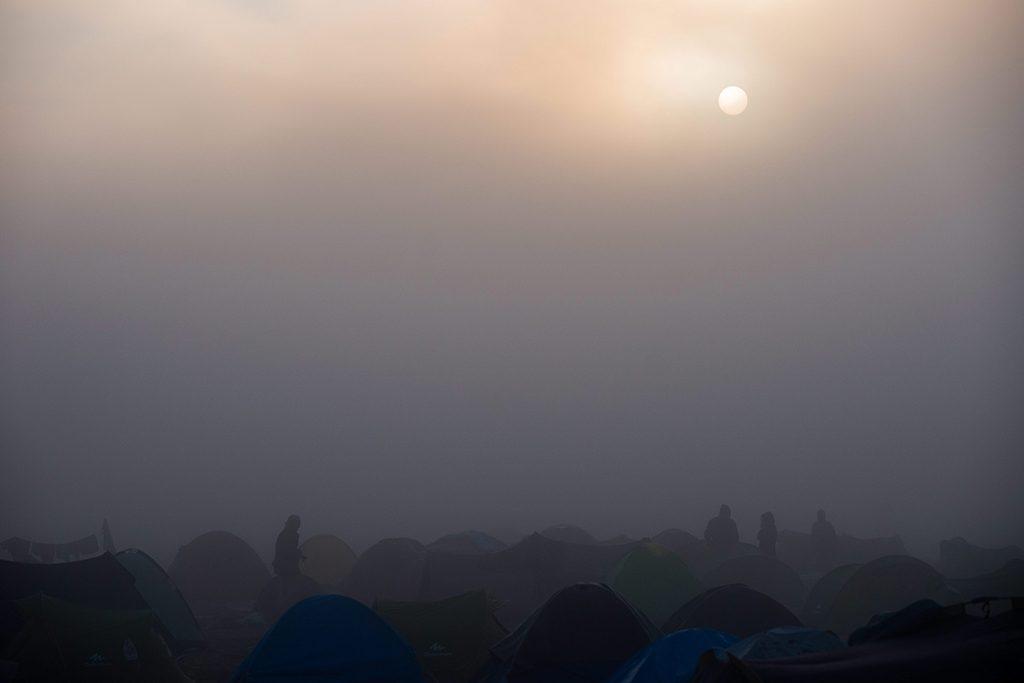 Idomeni, 2016. március 11.Migránsok sátrai a reggeli ködben a görög-macedón határ görög oldalán, Idomeniben 2016. március 11-én.MTI Fotó: Balogh Zoltán