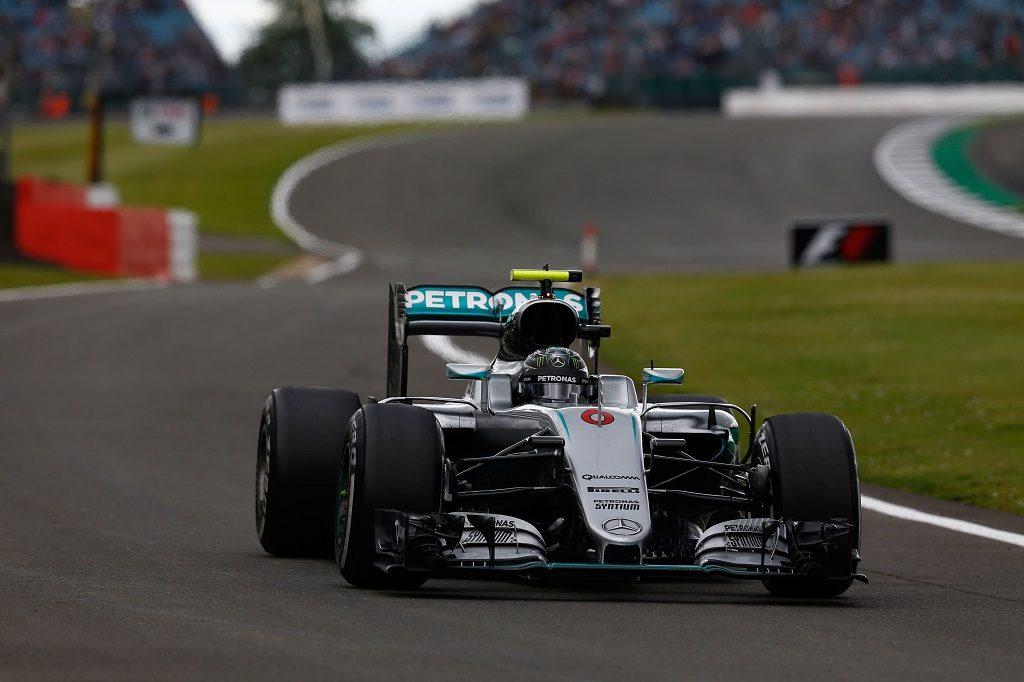 Motorsports: FIA Formula One World Championship 2016, Grand Prix of Great Britain,  #6 Nico Rosberg (GER, Mercedes AMG Petronas Formula One Team),   Verwendung weltweit