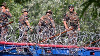 Illegális bevándorlás - Migránsok tábora Horgosnál