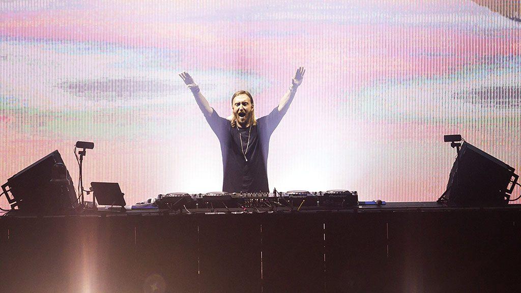 Budapest, 2016. augusztus 14.David Guetta francia DJ fellépése a budapesti Hajógyári-szigeten a 24. Sziget fesztivál harmadik napján, 2016. augusztus 14-én.MTI Fotó: Mohai Balázs