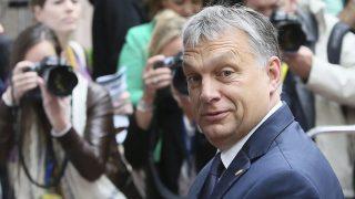 Brüsszel, 2016. június 29.Orbán Viktor miniszterelnök érkezik az Európai Unió brüsszeli csúcstalálkozójára 2016. június 29-én, a kétnapos tanácskozás második napján. A brit EU-tagságról rendezett június 23-i népszavazáson a britek többsége arra voksolt, hogy Nagy-Britannia lépjen ki az Európai Unióból. (MTI/EPA/Olivier Hoslet)