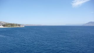 Strait of Messina, pictured from a ferry between Messina in Sicily and Villa San Giovanni in Calabria, Italy, 17 April 2016. Photo: Beate Schleep | usage worldwide