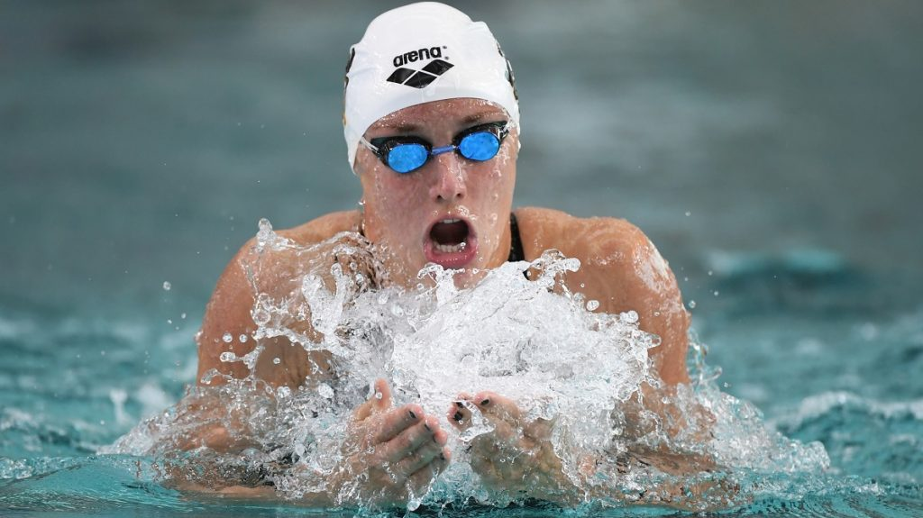 Katinka Hosszu (HUN) competes on Women's 200 m Individual Medley during the Fina World Cup Airweare of swimming 2016, at L'Odyssée, in Chartres, France, on August 26-27, 2016 - Photo Stephane Kempinaire / KMSP / DPPI