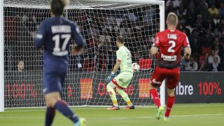 Maxwell Scherrer Cabelino Andrade (psg) kicked the ball on Adam LANG (Dijon Football Cote-D'Or) and scored a goal against Baptiste REYNET (Dijon Football Cote-D'Or) during the French Championship Ligue 1, french first league, football match between Paris Saint-Germain and Dijon FCO on September 20, 2016 at Parc des Princes stadium in Paris, France - Photo Stephane Allaman / DPPI