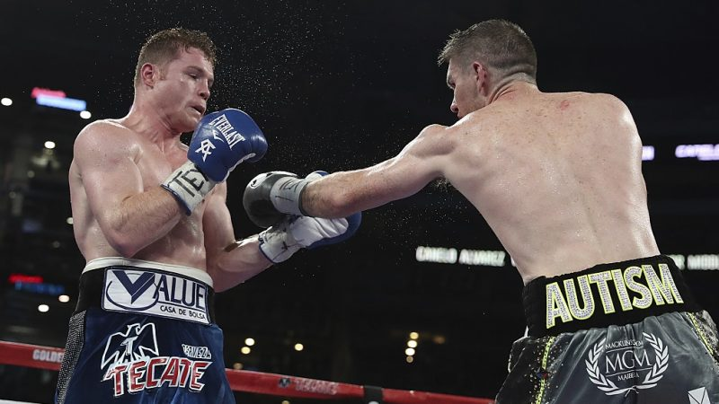 ARLINGTON, TX - SEPTEMBER 17: Liam Smith, right, fights Canelo Alvarez, left,  during the WBO Junior Middleweight World fight at AT&T Stadium on September 17, 2016 in Arlington, Texas. (Photo by Omar Vega/LatinContent/Getty Images)