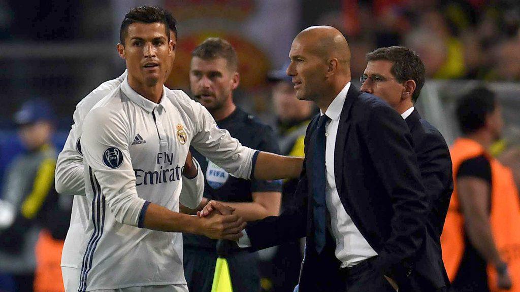 """Képtalálat a következőre: """"ronaldo zidane"""""""