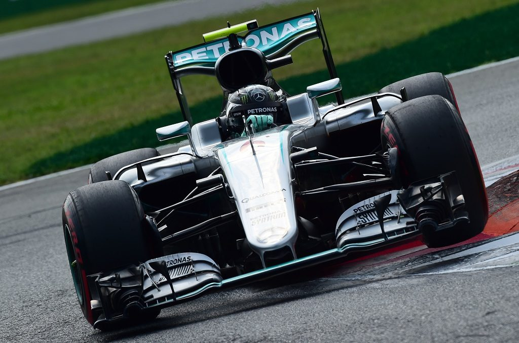Mercedes AMG Petronas F1 Team's German driver Nico Rosberg during the qualifying session at the Autodromo Nazionale circuit in Monza on September 3, 2016 ahead of the Italian Formula One Grand Prix. / AFP PHOTO / GIUSEPPE CACACE