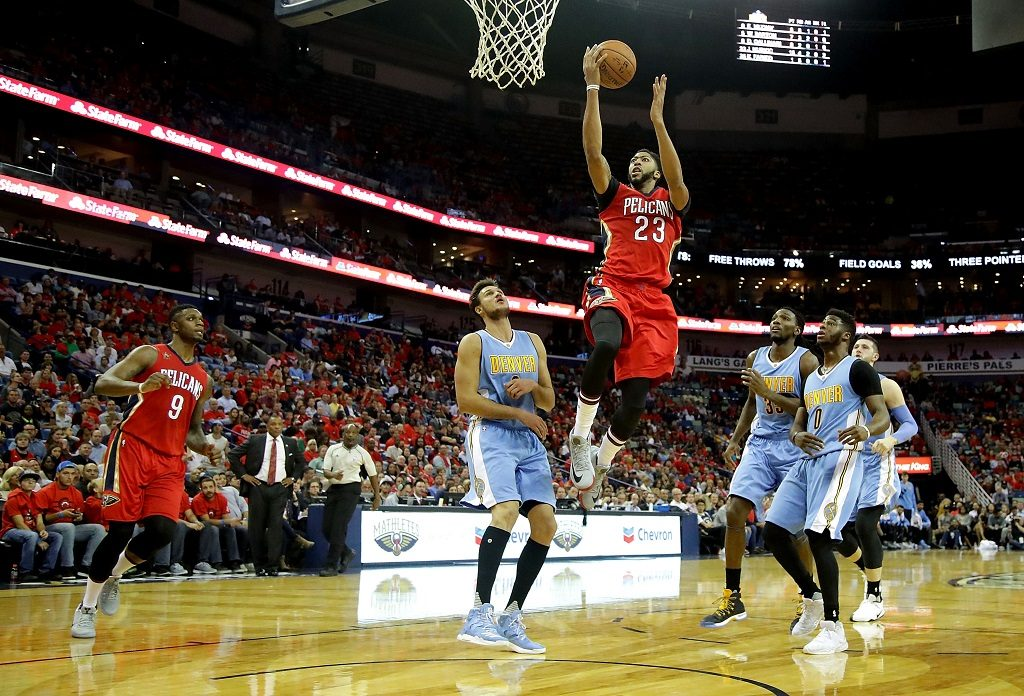 NEW ORLEANS, LA - OCTOBER 26: Anthony Davis #23 of the New Orleans Pelicans shoots over Will Barton #5 of the Denver Nuggets during the second quarter at the Smoothie King Center on October 26, 2016 in New Orleans, Louisiana. NOTE TO USER: User expressly acknowledges and agrees that, by downloading and or using this photograph, User is consenting to the terms of the Getty Images License Agreement.   Sean Gardner/Getty Images/AFP
