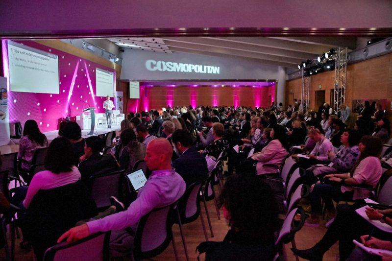 A Cosmopolitan Blogger Dayen a megjelentek szakmai előadásokat is hallgattak