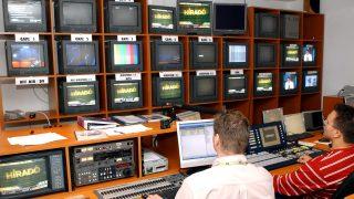 Az ECHO TV kapcsolóterme. MTI-fotó