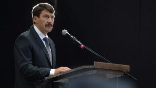 Poznan, 2016. június 28. Áder János köztársasági elnök beszédet mond az 1956-os poznani munkásfelkelés 60. évfordulója alkalmából rendezett ünnepségen a nyugat-lengyelországi Poznanban 2016. június 28-án. MTI Fotó: Koszticsák Szilárd
