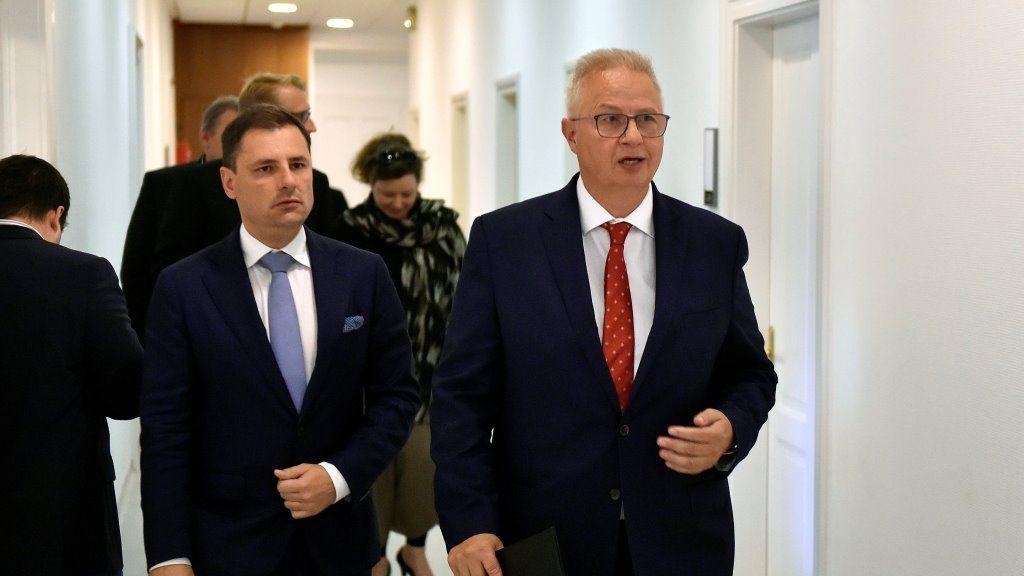 Trócsányi László és Tuzson Bence sajtótájékoztatója