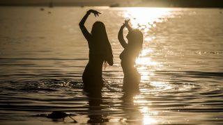 Zamárdi, 2016. augusztus 26. Fiatalok a Strand és a B.my.Lake fesztiválon Zamárdiban 2016. augusztus 26-án. MTI Fotó: Balogh Zoltán