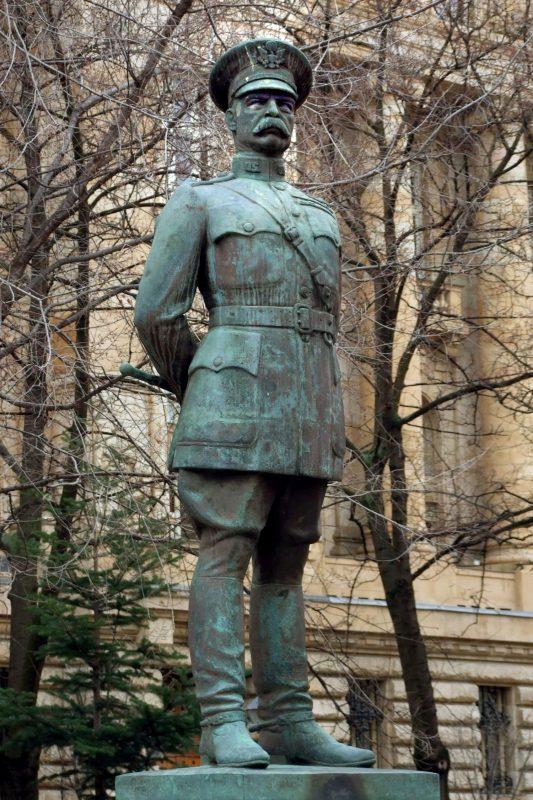 Budapest, 2013. február 25. Harry Hill Bandholtz amerikai tábornok szobra a fõváros V. kerületében, a Szabadság téren. A szobor Ligeti Miklós szobrászmûvész 1936-ban készült alkotása. MTVA/Bizományosi: Jászai Csaba  *************************** Kedves Felhasználó! Az Ön által most kiválasztott fénykép nem képezi az MTI fotókiadásának, valamint az MTVA fotóarchívumának szerves részét. A kép tartalmáért és a szövegért a fotó készítõje vállalja a felelõsséget.