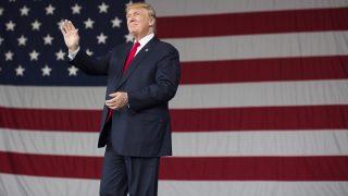 St. Augustine, 2016. október 24. Donald Trump republikánus párti elnökjelölt kampánygyûlésen vesz részt a Florida állambeli St. Augustine városban 2016. október 24-én. Az Egyesült Államokban november 8-án tartanak elnökválasztást. (MTI/AP/Evan Vucci)