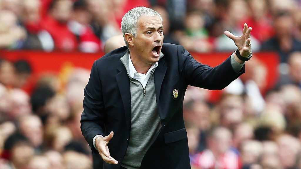 Manchester United manager Jose Mourinho issues instructions during the English championship Premier League football match between Manchester United and Leicester City on September 24, 2016 played at Old Trafford in Manchester, Great Britain - Photo Matt West / Backpage Images / DPPI