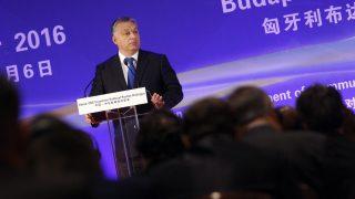 Budapest, 2016. október 6. Orbán Viktor miniszterelnök beszédet mond a Kína - Közép- és Kelet-Európa Politikai Pártok Dialógusa fórumon a budapesti Intercontinental szállóban 2016. október 6-án. MTI Fotó: Szigetváry Zsolt