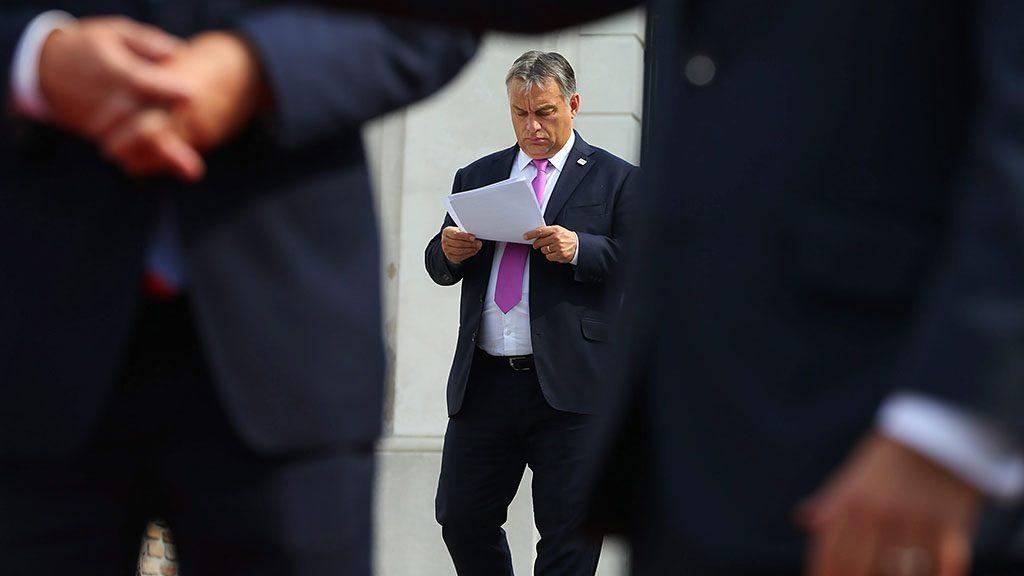 Pozsony, 2016. szeptember 16.Orbán Viktor miniszterelnök az Európai Unió tagországai vezetőinek nem hivatalos csúcstalálkozóján Pozsonyban 2016. szeptember 16-án. (MTI/EPA pool/Yves Herman)