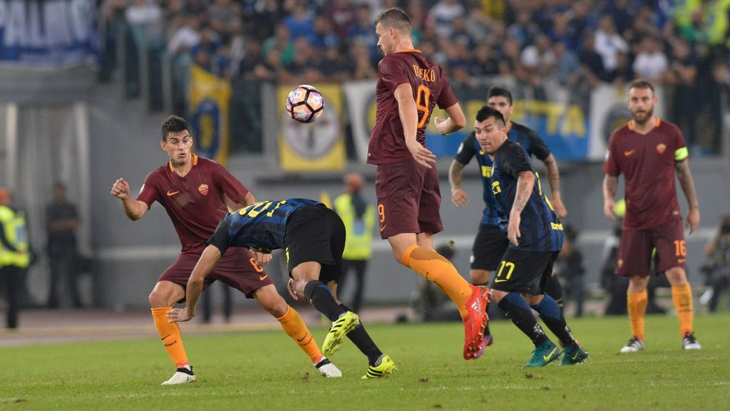 Edin Dzeko during the Italian Serie A football match between A.S. Roma and F.C. Inter at the Olympic Stadium in Rome, on october 02, 2016. (Photo by Silvia Lore/NurPhoto)