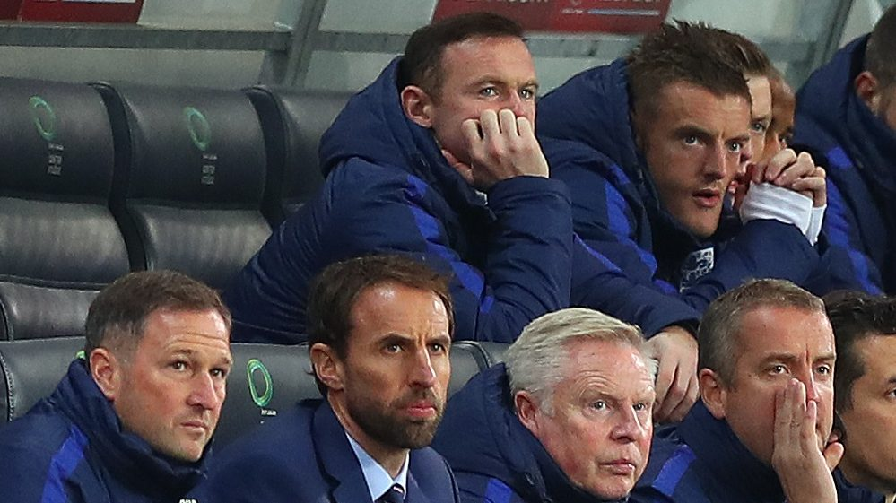 Wayne Rooney of England looks bored on the substitutes bench behind England caretaker manager Gareth Southgate during the FIFA 2018 World Cup Qualifying Group F match between Slovenia and England played at the Stozice Stadium, Ljubljana, Slovenia, on October 11, 2016 - Photo Kieran McManus / Backpage Images / DPPI