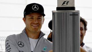 Mercedes AMG Petronas F1 Team's German driver Nico Rosberg arrives at the circuit at the Formula One Japanese Grand Prix in Suzuka on October 8, 2016. / AFP PHOTO / TOSHIFUMI KITAMURA