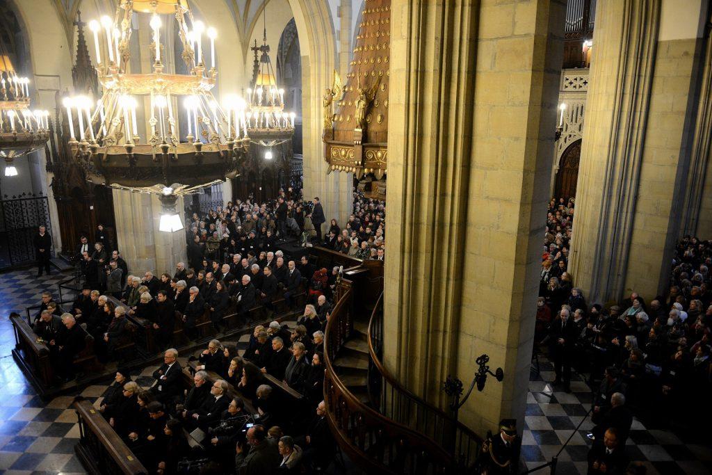 Poland, Krakow : Andrzej Wajda holy mass funeral ceremony in Church of The Holy Trinity and Dominican Monastery in Krakow on October 19, 2016 / AFP PHOTO / Bartosz Siedlik