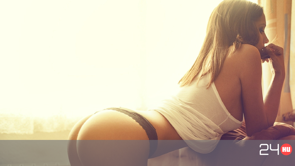 Fiatal szexi milf pornó