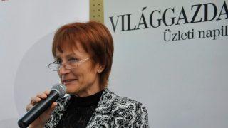 Kocsi Ilona, a Boom főszerkesztője még a Világgazdaság főszerkesztőjeként egy rendezvényen. Fotó: MTI