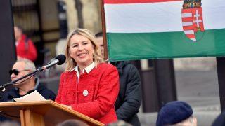 A Budaházy-ügy vádlottjaiért tüntettek az Országház előtt