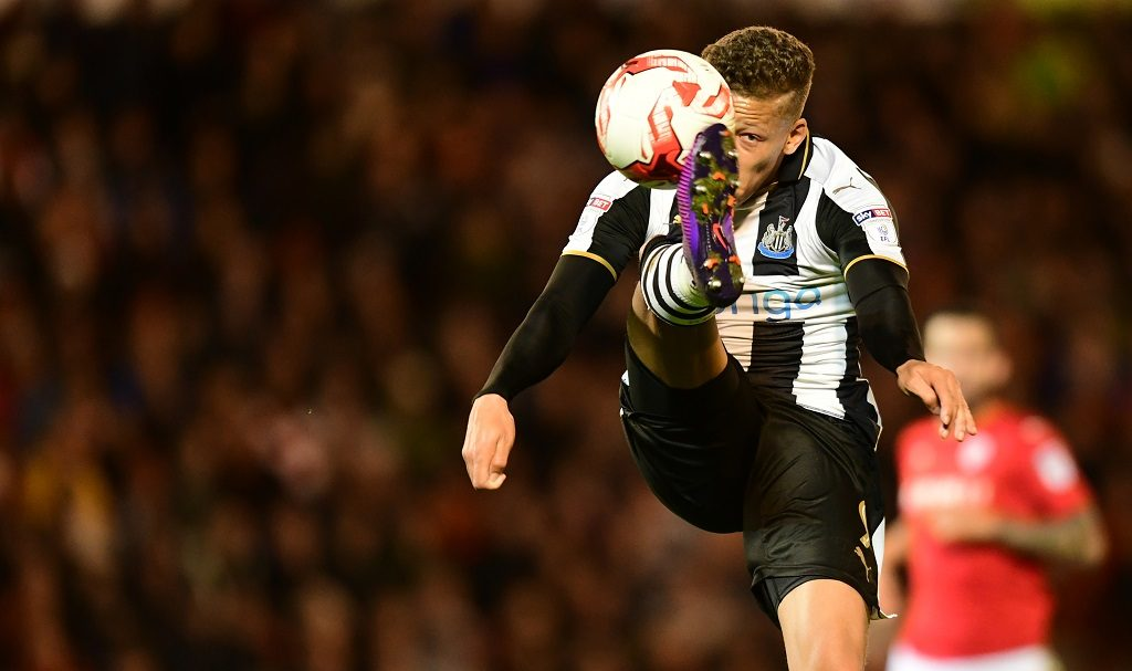 BARNSLEY, ENGLAND - OCTOBER 18:  Newcastle United's Dwight Gayle brings the ball under control during the Sky Bet Championship match between Barnsley and Newcastle United at Oakwell Stadium on October 18, 2016 in Barnsley, England. (Photo by Chris Vaughan - CameraSport via Getty Images)