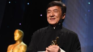Honoree Jackie Chan poses with his Honorary Oscar Award during the 8th Annual Governors Awards hosted by the Academy of Motion Picture Arts and Sciences at the Hollywood & Highland Center in Hollywood, California on November 12, 2016. / AFP PHOTO / Robyn Beck