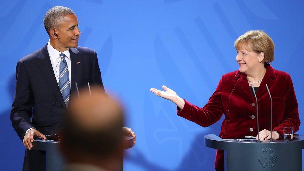 Berlin, 2016. november 17. Angela Merkel német kancellár (j) és Barack Obama amerikai elnök sajtóértekezletet tart tárgyalásaik után a berlini kancellári hivatalban 2016. november 17-én. (MTI/EPA/Kay Nietfeld)